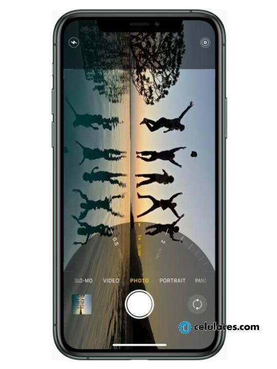Fotografía grande Varias vistas del Apple iPhone 11 Pro Max Plata y Gris Espacial y Dorado y Verde. En la pantalla se muestra Varias vistas