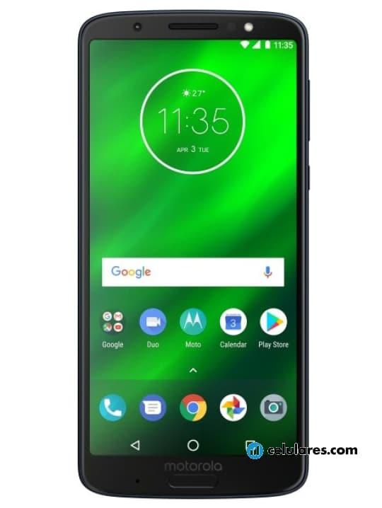 Fotografía grande Varias vistas del Motorola Moto G6 Plus Plata y Azul. En la pantalla se muestra Varias vistas